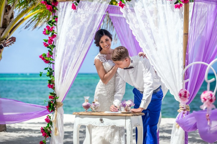 Обновление в портфолио — красивая свадьба на пляже Колибри в Доминикане