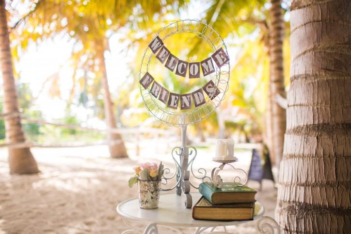Секреты организации welcome зоны на свадьбе – Читать далее