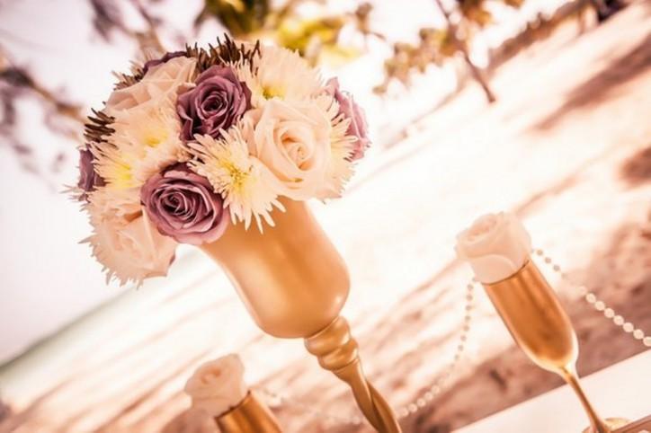Оригинальные свадебные бокалы ручной работы от Caribbean Wedding