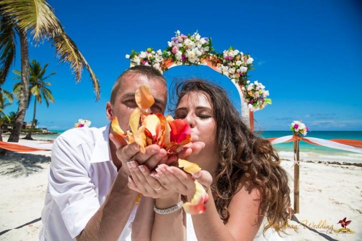 Свадьба на пляже Кап Кана по акции!!!