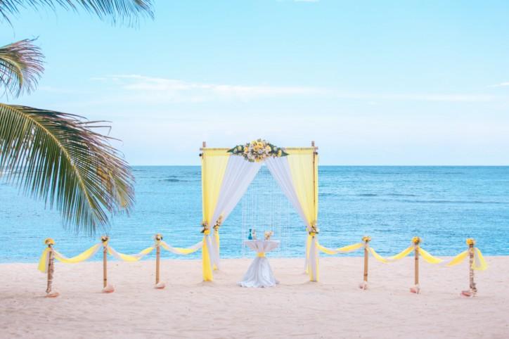 Лимонная свадьба в Доминикане на пляже Колибри {Руслан и Гульжиян}