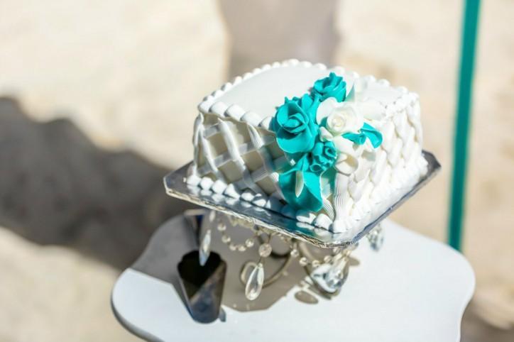 Свадебный торт — самое важное лакомство на свадебном столе!