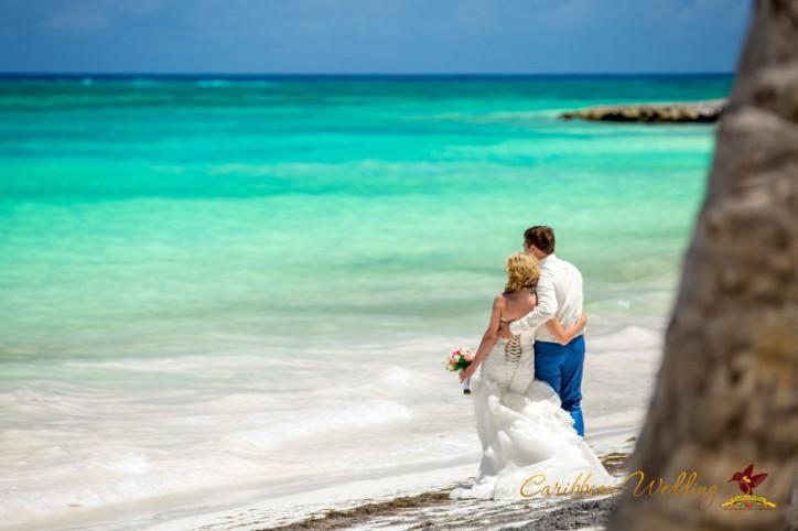 Символическая свадебная церемония и прогулка на яхте {Татьяна+Антон} – Читать далее