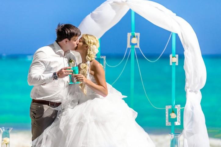 НОВИНКА: Свадебная арка и Символическая Церемония на пляже Кап Каны {Наталья+Михаил}