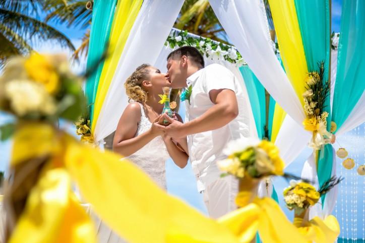 Свадьба в желтом цвете – лучшая идея для лета